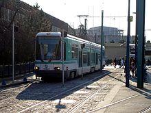 La rame de tramway français standard n° 214 à Bobigny - Pablo Picasso.