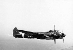 Bundesarchiv Bild 101I-363-2258-11, Flugzeug Junkers Ju 88.jpg