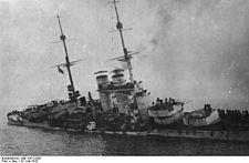 Bundesarchiv Bild 134-C2280, Szent István, Sinkendes Linienschiff.jpg