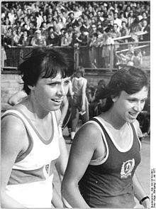 Bundesarchiv Bild 183-S0703-0001, Bärbel Eckert, Romy Schneider.jpg