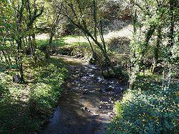 Le Clan à sa confluence avec le ruisseau du Cheyral.
