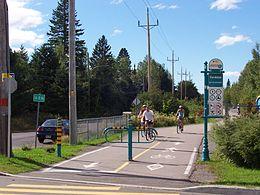 1er avril - Le National Geographic estime que la route verte québécoise est la plus belle piste cyclable du monde.(Corridor des cheminots à Val-Bélair.)
