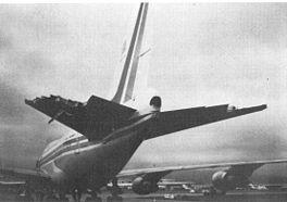 Beschadigde staart van vlucht 006