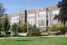 Defer Elementary School, Grosse Pointe Park, Michigan (October 12, 2008).jpg