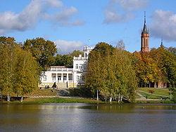 Résidence bourgeoise sur le bord du lac Druskonis à Druskininkai.