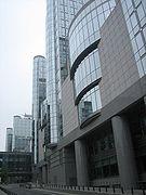 Altiero Spinelligebouw, oostkant