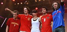 De g. à d.: Hartmut Kamm, Klaus Pérez-Salado, Christina Stürmer, Oliver Varga & Gwenael Damman