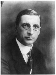 Eamon de Valera c 1922-30.jpg