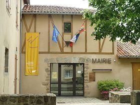 La mairie et le musée des ostensions