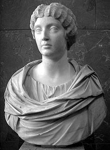 Faustina Minor Louvre Ma1144.jpg