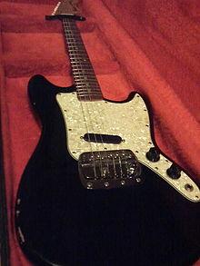 Fender Bronco.jpg