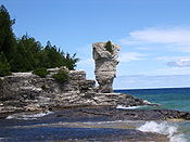 Flowerpot Island Big Flowerpot.JPG