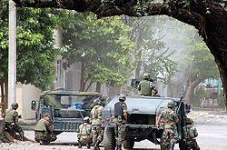 Tropas del Ejército en Apatzingán en 2007.