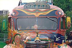 Further, le bus des Merry Pranksters (photographie)