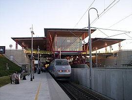 Un TGV en gare de Valence TGV, côté nord (voie3)