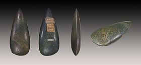Haches d'éclogite polie conservées au Muséum de Toulouse
