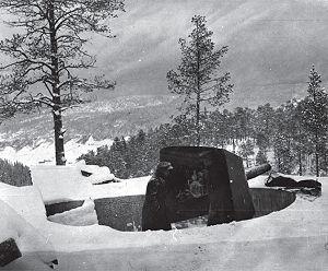 Hegra Fortress gun position.jpg