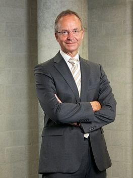 Henk Kamp 2011.jpg
