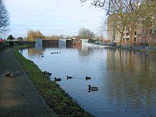 Hochwasserschutztore in Rurfeverlauf zur Maas hin.jpg