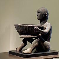 Ifugao sculpture Louvre 70-1999-4-1.jpg