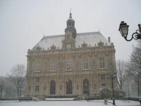 Ivry-sur-Seine town hall under snow 2005-02-23.jpeg