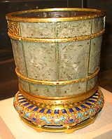 Jade pot from the Qing Dynasty.jpg