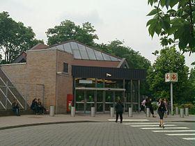 station de métro et de bus Pont de Bois