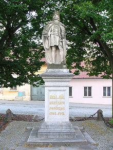 Jiri z Podebrad statue.jpg