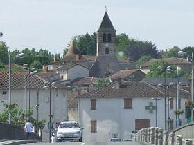 Le clocher Saint-Michel vu du pont sur la Vienne