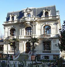 La Garenne Colombes - La bibliothèque municipale (2009).jpg