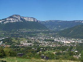 Vue générale de la Ravoire depuis les hauts de Barberaz.