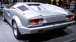 Lamborghini Countach silver 25 Years Edition hl TCE.jpg