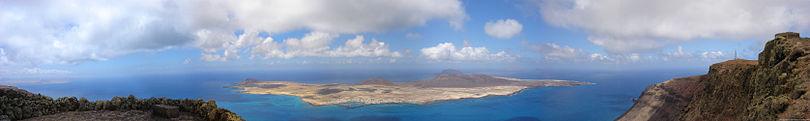 180° panorama photo taken from Mirador del Río showing La Graciosa