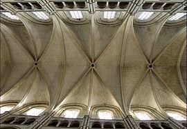 Bóveda sexpartita (Catedral de Laon, Francia)