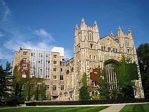 Law School Facade 2009.JPG