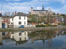 La Sambre et la collégiale Saint-Ursmer