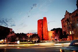 Maiden tower Baku 20060624.jpg