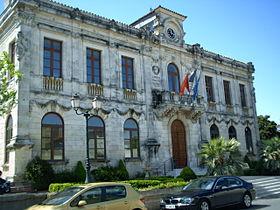 La mairie de Vauvert