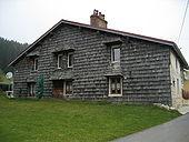 Maison typique du Jura 5.jpg
