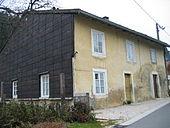 Maison typique du Jura 7.jpg