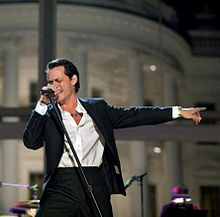Marc Anthony 2009 White House.jpg