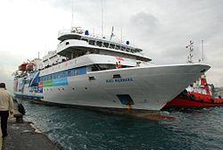 Mavi Marmara leaving port.jpg