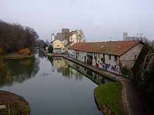 Meaux Ourcq canal dockside.JPG