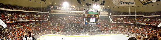 Photo panoramique intérieure du Mellon Arena.