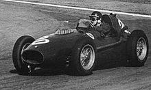 Mike Hawthorn au volant de sa Ferrari lors du Grand Prix d'Argentine 1958