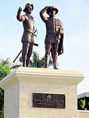 Monumento a los Montejo, padre e hijo, conquistadores de Yucatán y fundadores de la ciudad de Mérida, ubicado en el inicio del paseo (bulevar) del mismo nombre, en Mérida, Yucatán.