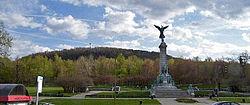 Le versant est du mont Royal, vu depuis Montréal