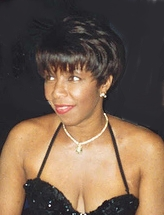 Natalie Cole at the 44th Emmy Awards cropped and airbrushed.jpg