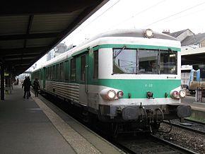 Un X 4500 non modernisé en gare de Nevers.