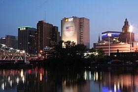 Newark, New Jersey at night.jpg
